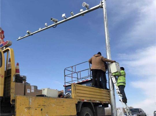 信號燈監控桿施工